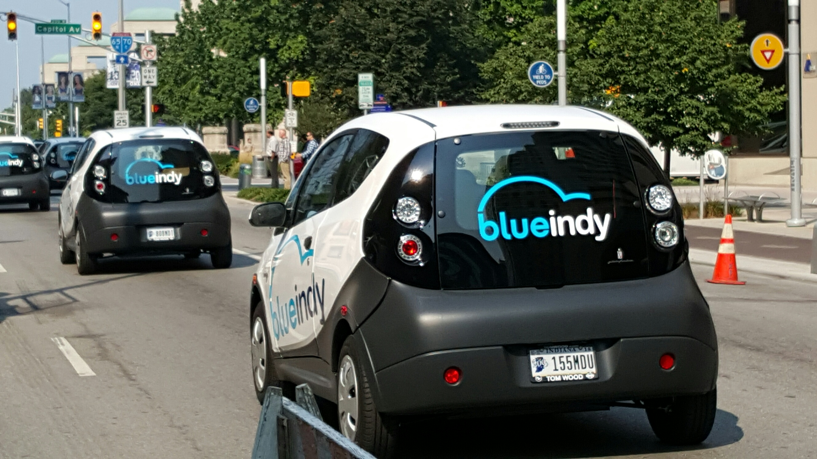 Blueindy Launches Largest U S Electric Car Sharing Service In Indianapolis